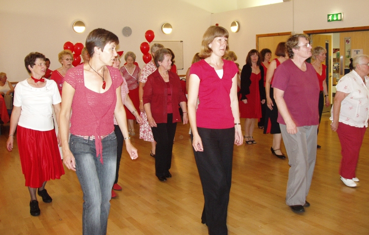 Dancing at the Red Social